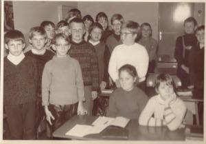 Klasse 5a im Klassenraum